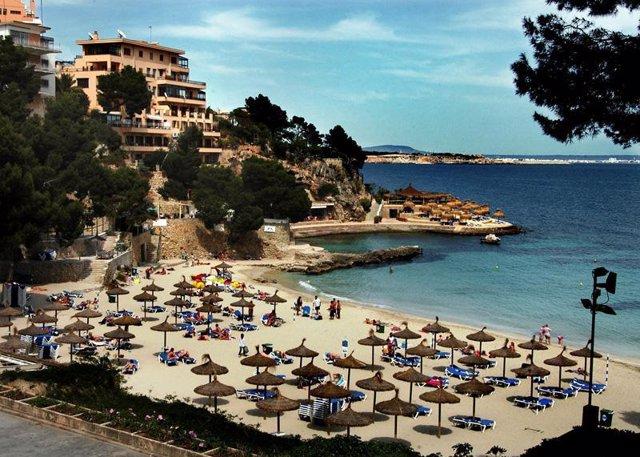 Zona del turismo en Baleares playa