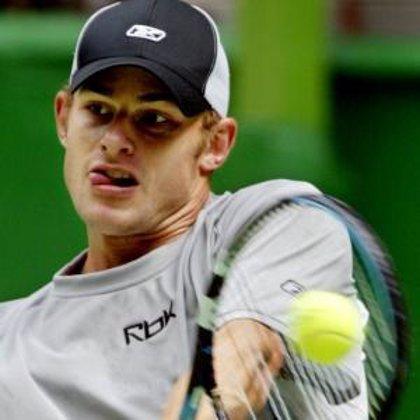 Roddick se antepone a Federer y la historia