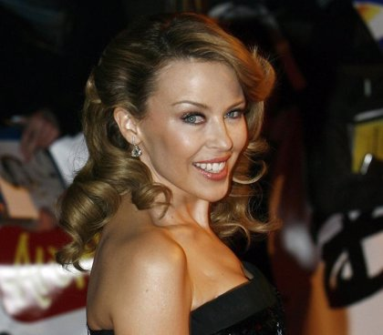 Kylie Minogue ayuda en el bar que Andrés Velencoso