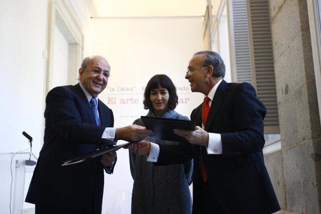 La ministra de Cultura, Ángeles González-Sinde, preside la firma del convenio en