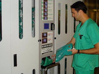 Los dos hospitales públicos de Tenerife cuentan con un sistema innovador de gestión de uniformes