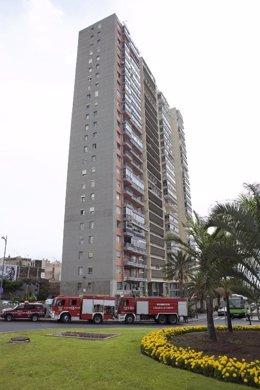 Bomberos de Tenerife realizan un simulacro en Santa Cruz