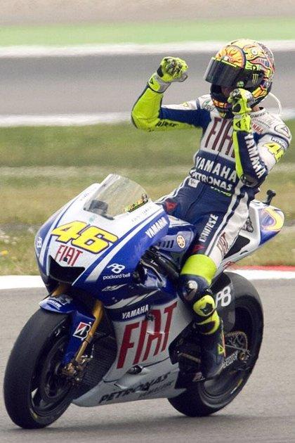 Rossi (Yamaha) arrebata la 'pole' a su compañero Lorenzo en la última vuelta