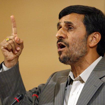 Ahmadineyad destituye a dos miembros de su Ejecutivo