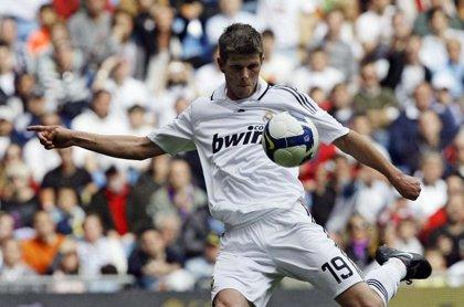 Milan confirma el acuerdo con el Real Madrid por Huntelaar