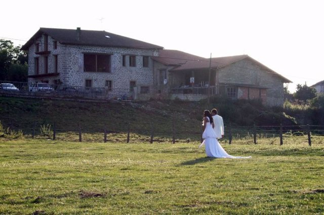 La boda de los participantes de Granjero busca esposa
