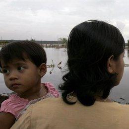 mujer inmigrante niña hija