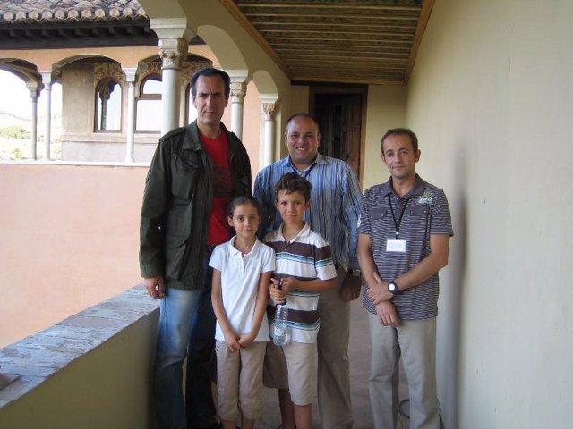 Jaime de Marichalar y sus hijos en la Alhambra