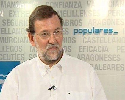 """Rajoy dice """"adiós al verano"""" en un video en la playa gallega de La Lanzada"""