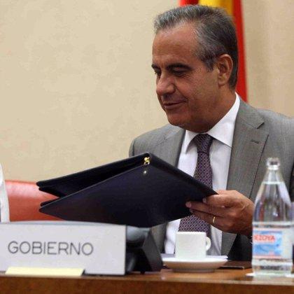 Gobierno y sindicatos se reúnen hoy para analizar la ampliación de la ayuda de 420 euros