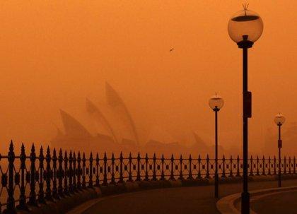 Sidney y otras zonas del este de Australia amanecen inmersas en una nube de polvo naranja
