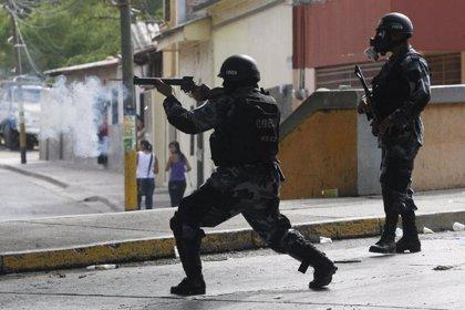 La Policía confirma la muerte de una persona durante disturbios en Tegucigalpa