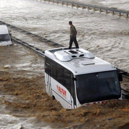Al menos cinco muertos en las inundaciones provocadas por las intensas lluvias en el noreste de Turquía