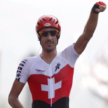 Fabian Cancellara se exhibe en la contrarreloj y recupera el arco iris