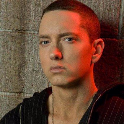 Eminem le echa un pulso a Apple