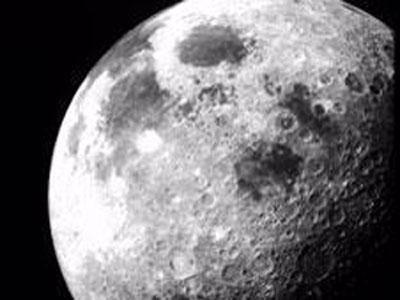 Tres estudios confirman que hay agua en la superficie de la Luna Fotonoticia_20090924185941