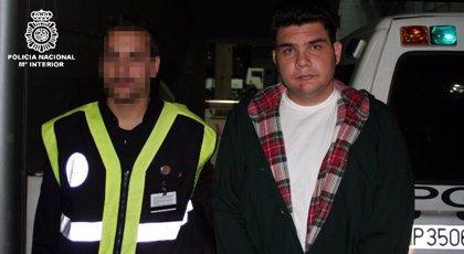Francisco Larrañaga llega a España con el deseo de atenuar su condena