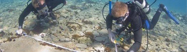 Arqueólogos submarinos