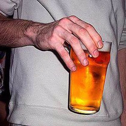 El consumo de alcohol aunque sea a un nivel bajo perjudica la salud
