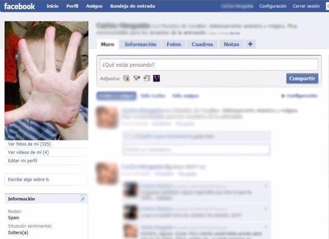 Perfil de un niño en la red social Facebook