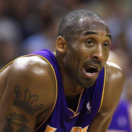 Kobe Bryant se convierte en el jugador más joven que anota 24.000 puntos