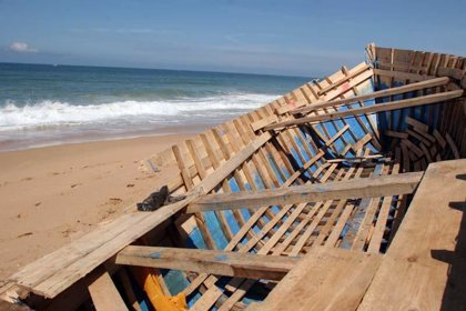 Interceptada una patera con seis inmigrantes en una playa de Mazarrón
