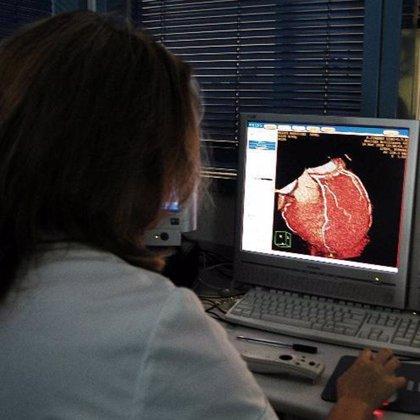 El déficit en vitamina D y los bajos niveles de estrógeno aumentan el riesgo cardiovascular