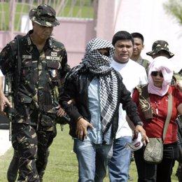 Andal Ampatuan se entrega en Filipinas