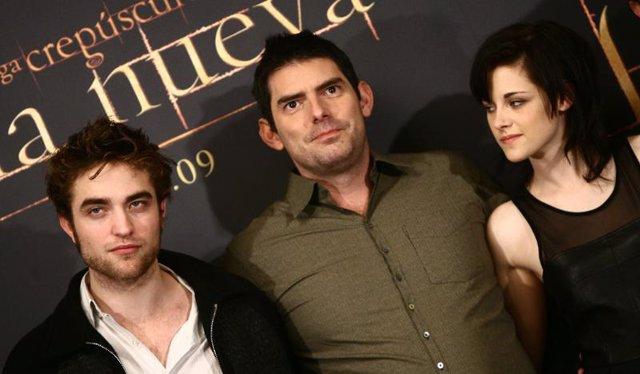 Chris Weitz, Robert Pattinson y Kristen Stewart en Madrid