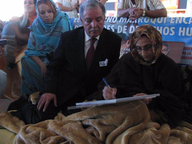 Bouguettaya con Aminetu Haidar
