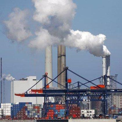La industria suaviza la caída de la facturación y de los pedidos en octubre