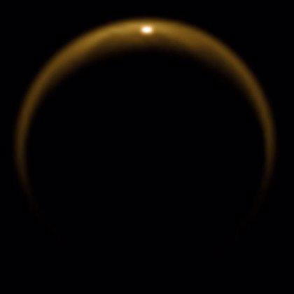 Un reflejo del Sol confirma la existencia de lagos en Titán