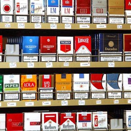 Vender tabaco en locales de prensa hará que más adolescentes fumen