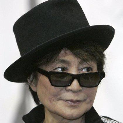 Yoko Ono por fin contará su versión del fin de los Beatles
