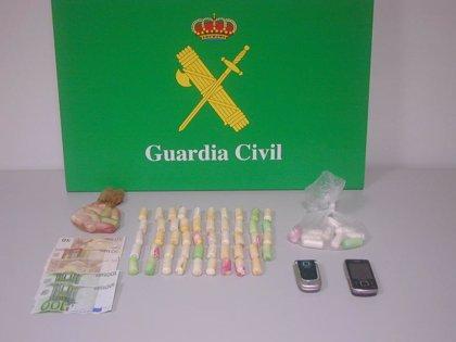 Detenida en el aeropuerto de Gran Canaria una mujer que portaba 69 cápsulas de cocaína en su interior