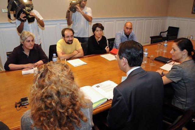 El presidente del Parlamento Antonio Castro y los Portavoces de los Grupos Parla