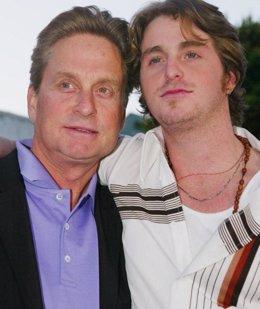 Michael Douglas y su hijo Cameron