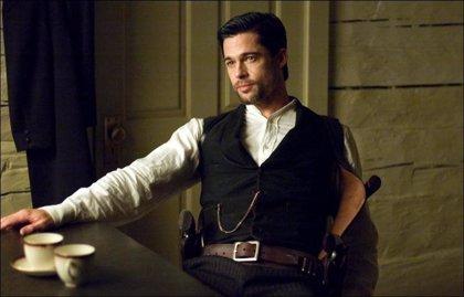 Brad Pitt y Ryan Reynolds, luchan por protagonizar el western 'Gunsmoke'