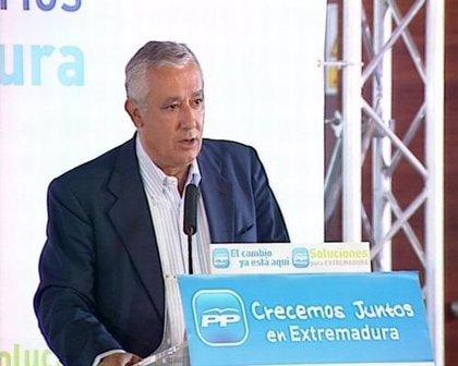 """Arenas ve que el PSOE se """"reparte los cargos"""""""
