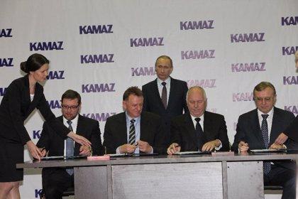 Economía/Motor.- Daimler Trucks amplía hasta el 11% su participación en la rusa Kamaz, tras comprar un 1% a Troika
