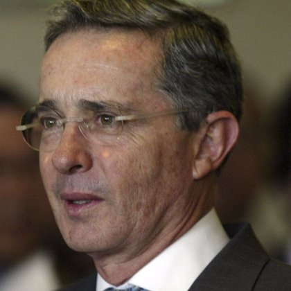 Uribe no podrá optar a un tercer mandato