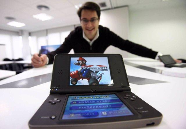 El Tamano Importa Nintendo Dsi Xl Una Portatil Para Jugar En Compania