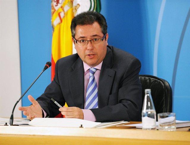 Juan Espadas, En Una Rueda De Prensa Como Consejero De Vivienda