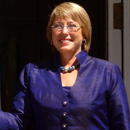 Bachelet insta a aprovechar el talento de las mujeres en la política