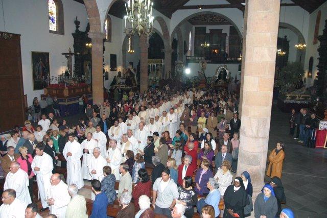 Más De 200 Sacerdotes Acudieron A La Misa Crismal
