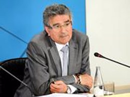 Luis Pizarro, Durante La Rueda De Prensa Posterior A La Reunión Del Consejo De G