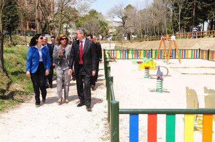 El Ayuntamiento ha invertido más de 300 euros en el distrito de San Blas desde 2003