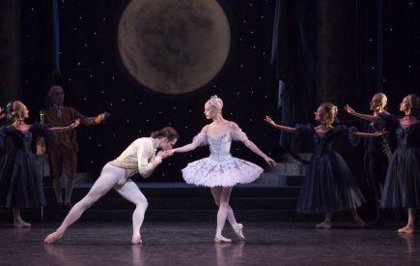 El Ballet 'La Cenicienta' llega hoy al Maestranza de la mano de la English National Ballet