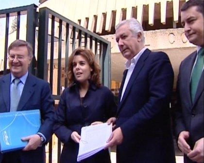 Saénz de Santamaría respalda la decisión del PP-A de recurrir la tasación de los solares de la 'deuda histórica'