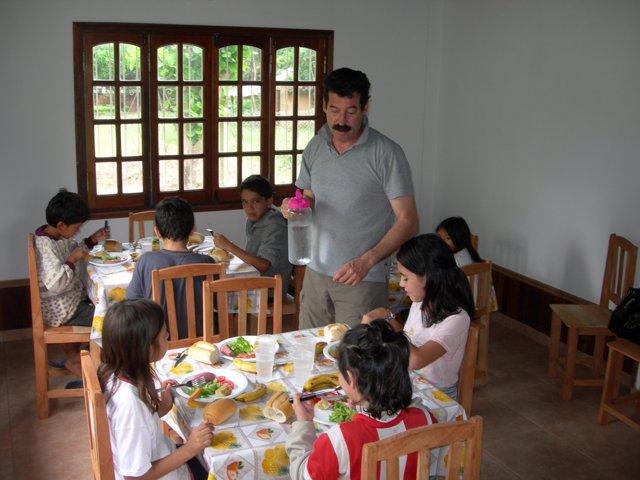 Comedor Social En Villarrica (Paraguay), De La Asociación Morochito.